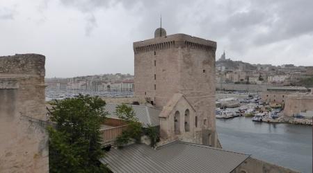 Ausblick vom Fort auf den Hafen