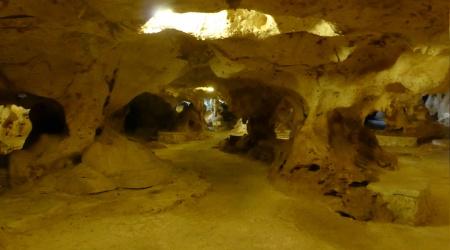 Große Caverne