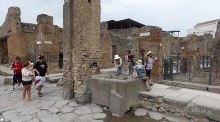 Straßenzug im Zentrum von Pompeji